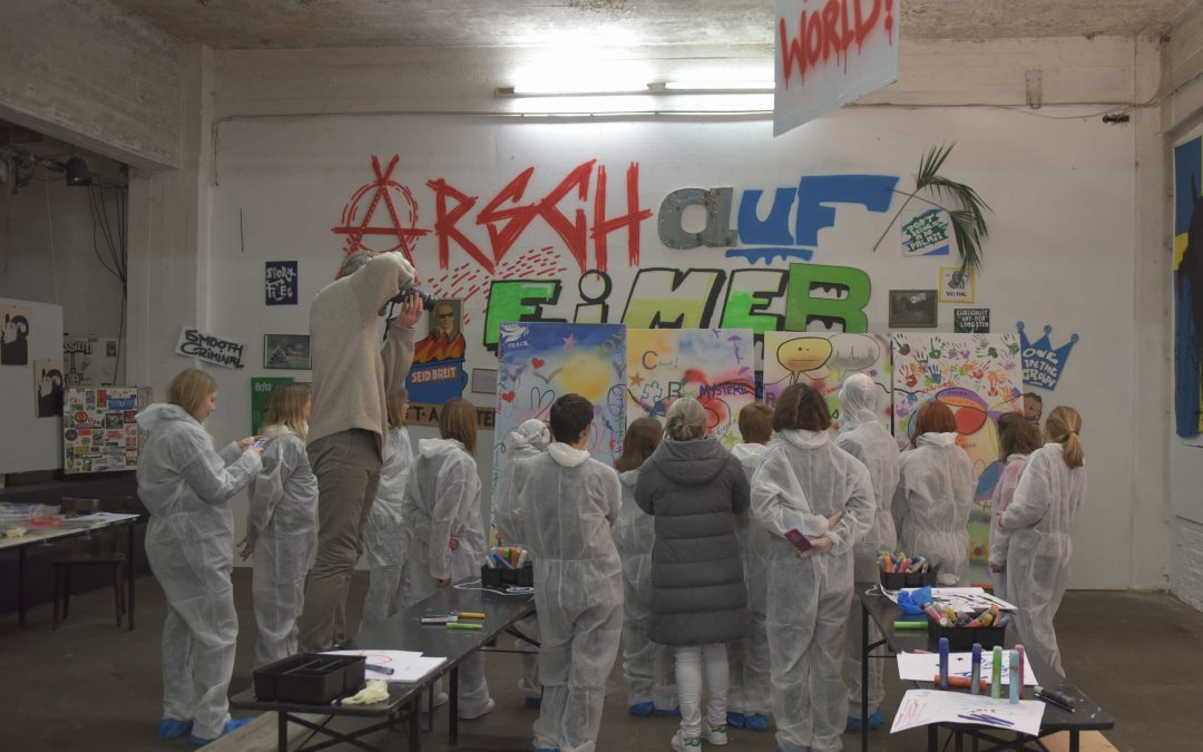 Teampainting Event at YAAM GALLERY Berlin